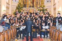 Barokní oratorium Te Deum jistě přivábí spoustu diváků. Představí se několik známých operních sólistů.