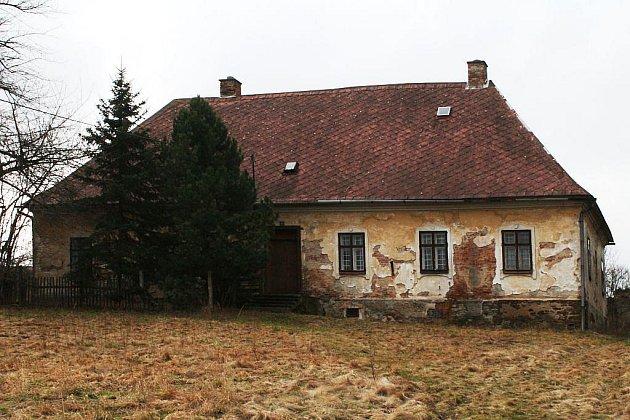 Fara v Radkově by se podle zakladatelů občanského sdružení Radkov měla stát místem setkávání.