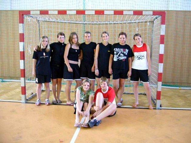 Starší žačky Opavy vybojovaly na mezinárodním házenkářském turnaji v Polance čtvrté místo.