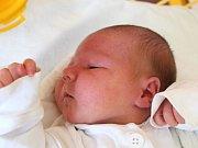 Alex Švacha se narodil 14. května, vážil 3,57 kilogramů a měřil 49 centimetrů. Rodiče Vendula a Radek z Holasovic mu přejí zdraví, štěstí a spokojený život. Na brášku už doma čeká sestřička Viktorka.