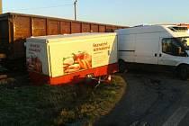 Obávaný železniční přejezd v odbočce na Otice-Rybníčky u hlavní silnice mezi Opavou a Hradcem nad Moravicí se v úterý ráno stal dějištěm další dopravní nehody. K té došlo zhruba okolo šesté hodiny.