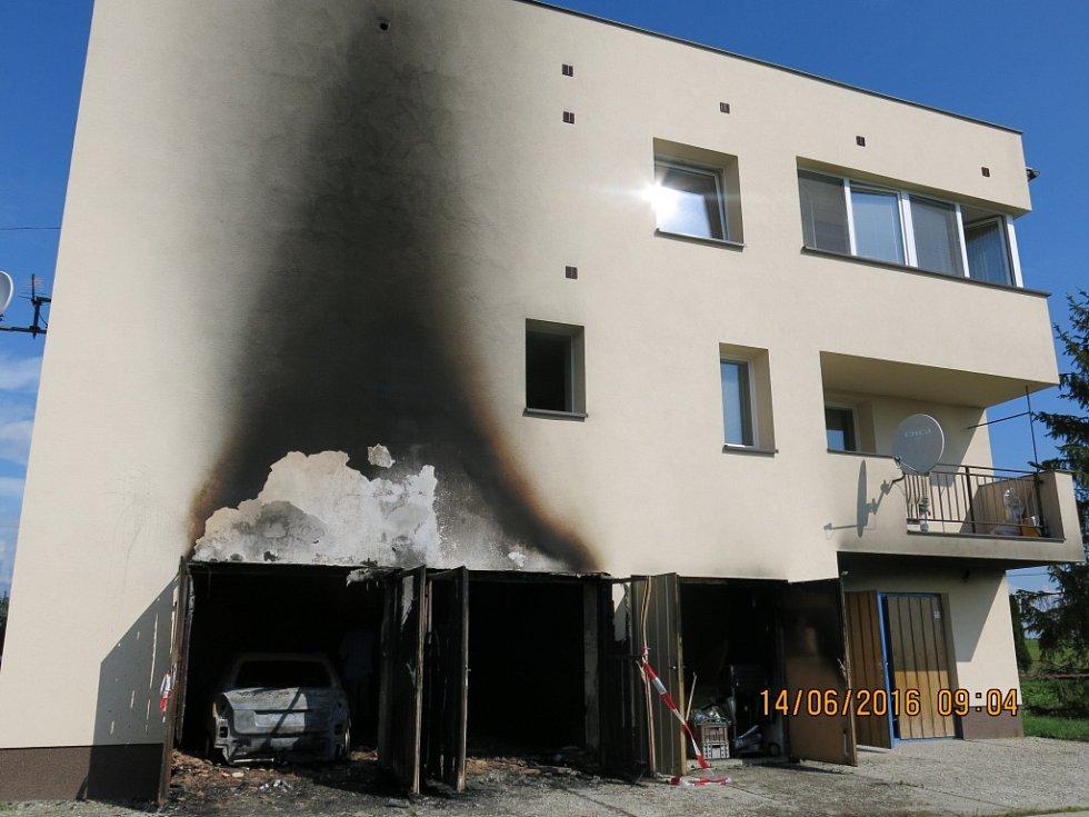 Snímek po požáru.