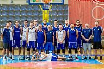 Basketbalisté jdou do boje