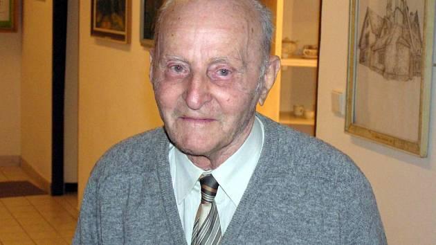 Hubert Grim. Výtvarník a hudebník oslaví zítra devadesátiny.