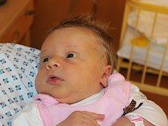 """Vanesa Mrózková se narodila 23. října. Vážila 4200g a měřila 52cm. """"Hlavně zdravíčko, štěstíčko a ať je šťastná,"""" přáli jí do života rodiče Maria a Marian z Opavy. Doma už se na ni těší bráška Samuel."""