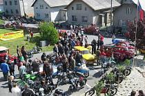 I když byly v blízkém okolí Hlubočce ve stejnou dobu pořádány dvě podobné akce, osmý ročník Rallye Kančí hory přilákal uplynulou sobotu na start celkem jedenasedmdesát historických motocyklů a aut.