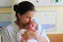 Lukáš Bystroň se narodil 5. srpna 2019, vážil 3,52 kilogramu a měřil 51 centimetrů. Rodiče Terezie a Lukáš z Opavy přejí svému prvorozenému synovi hodně štěstí.