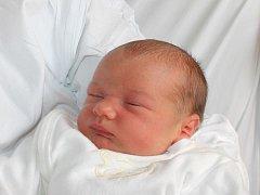 Lukáš Ulička se narodil 5. ledna, vážil 3,38 kg a měřil 50 cm. Rodiče Gabriela a Tomáš z Kravař – Koutů, společně se starší sestřičkou Lucií přejí Lukášovi do života hlavně zdraví a mnoho úspěchů.