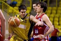Branislav Brliť (ve žlutém)