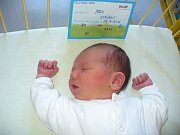 Max Stříbný se narodil 29. července 2016, vážil 3,51 kilogramů a měřil 50 centimetrů. Rodiče Václav a Petra z Hněvošic mu přejí, aby byl zdravý a měl šťastný a spokojený život. Bráška už doma dělá radost sestřičkám Valince a Gustynce.