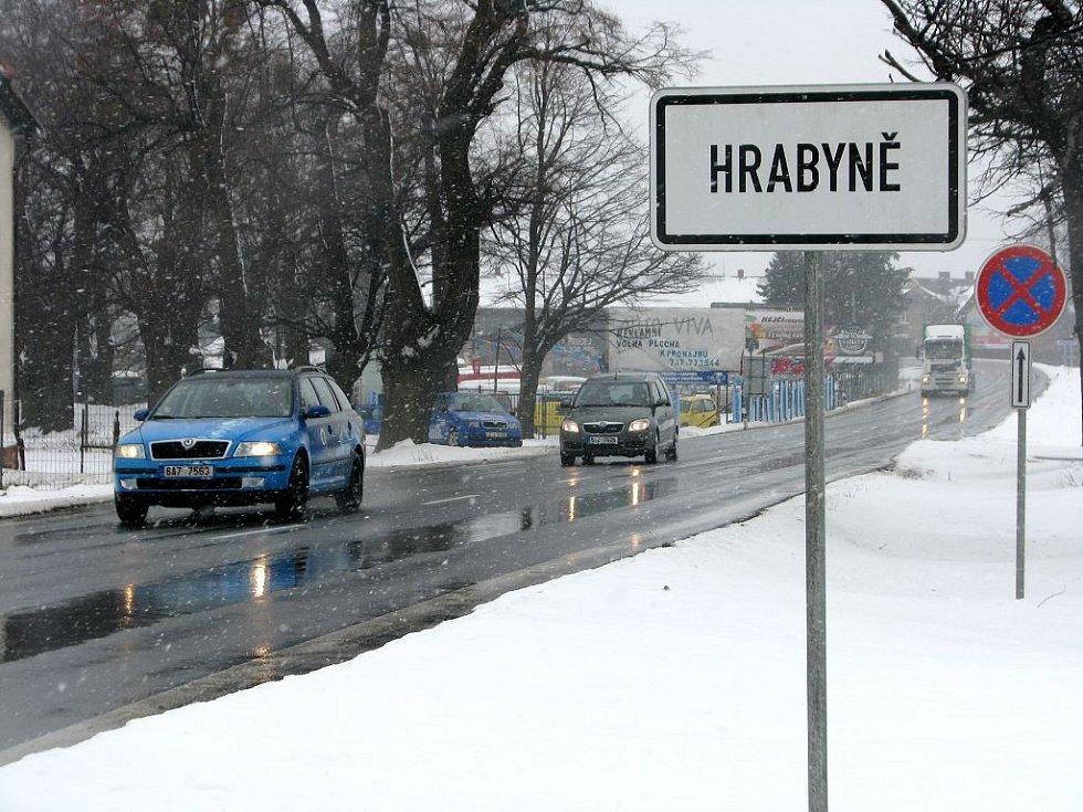 Dnes projede hlavním tahem v obou směrech mezi Opavou a Ostravou každou minutu několik desítek osobních aut a kamionů.