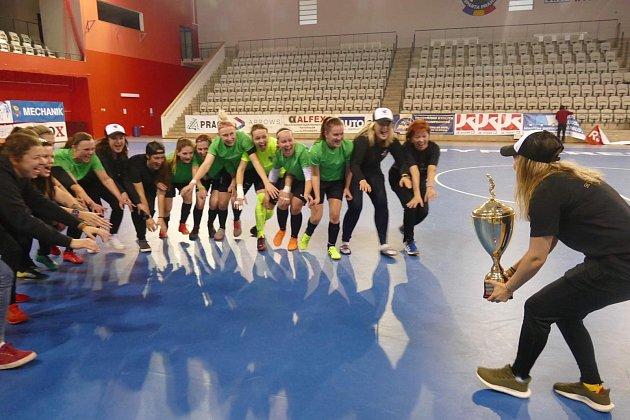 Nejlepší futsalistky jsou zChlebičova! Místní Tequilky vyhrály mistrovský pohár.