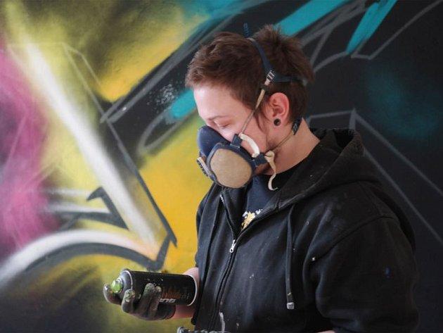 Martin Sněhota alias Sabon se dostal ke graffiti před nástupem na vysokou školu.