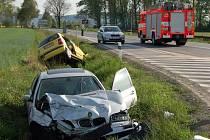 Nechvalně proslulá křižovatka si vyžádala v pátek po půl páté odpoledne další ošklivou dopravní nehodu.