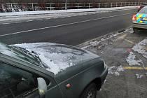 Opavští policisté kontrolovali, zda řidiči z oken svých vozů dostatečně odstraňují námrazu.