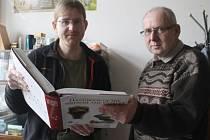 Členové Slezské ornitologické společnosti Libor Praus (vlevo) a Michal Jakubec.