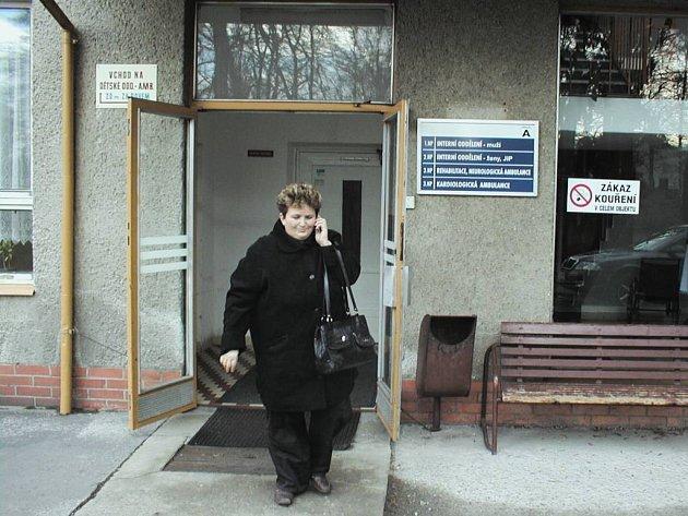 Kromě rehabilitačního centra má v nemocničním areálu vyrůst i ambulantní komplex v hodnotě kolem tří milionů korun, který by v pracovní dny fungoval do 19 hodin.