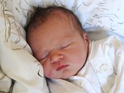 Justýna Mrázová se narodila 14. září, vážila 3,33 kilogramů a měřila 50 centimetrů. Rodiče Jana a Jiří z Deštné jí přejí hlavně zdraví a dobré lidi kolem sebe. Na Justýnku se už doma těší sourozenci Domča a Marťa z Deštné a Adélka a Jeňa z Opavy.