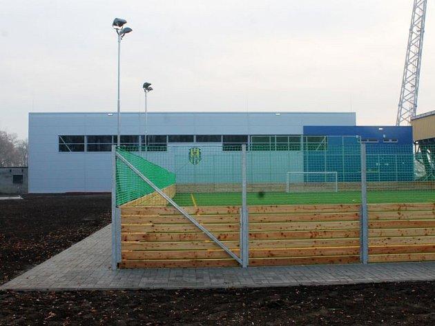 První prosincový den převezme Slezský fotbalový club Opava do své správy nový multifunkční areál, který vyrostl za severní tribunou stadionu v Městských sadech.