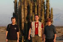 Na teplé Chile mohou Češi v mrazivé domovině už jen vzpomínat. Zleva: Petr Vlk, Vítězslav Plášek a Dalibor Lička.