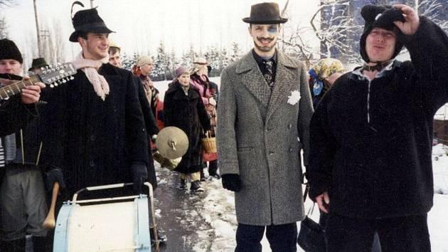 Tradici Vodění medvěda pamatují Jezdkovičtí již od šedesátých let minulého století.