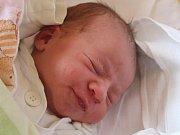 Kateřina Skotnicová se narodila 5. července, vážila 3,20 kilogramů a měřila 50 centimetrů. Rodiče Kamila a Martin z Opavy jí do života přejí aby byla zdravá, veselá a měla stále kolem sebe hodně lidí. Na Kačenku se už doma těší bráška Ondrášek.
