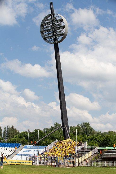Zápas 29. kola Fortuna národní ligy (FNL) mezi FK Hradec Králové a SFC Opava na stadionu v Hradci Králové 20. května 2018. Fanoušci SFC Opava.