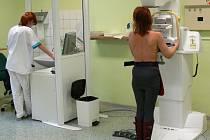 Vyšetření odhalující možnou rakovinu prsu.