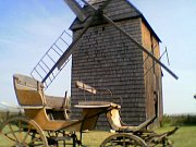 Hlavnický větrný mlýn v roce 2003.