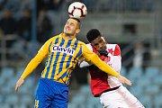 Opava - Zápas 17. kola FORTUNA:LIGY mezi SFC Opava a SK Slavia Praha 3. prosince 2018 na Městském stadionu v Opavě. Jan Schaffartzik (SFC Opava).