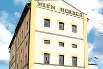 Značkou uRegionální potravina Moravskoslezského kraje byla oceněna i pšeničná mouka speciál z Mlýna Herber v opavské městské části Vávrovice.
