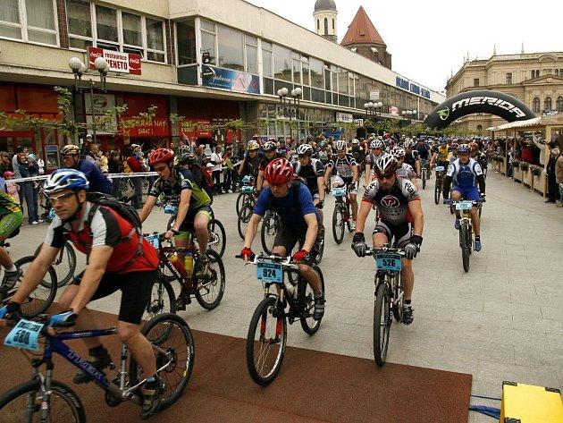Devátý ročník Silesia merida bike marathon. Květen 2009. Ilustrační foto.