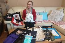 Hana Sigmundová nejraději šije batohy a kabelky.