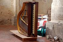 Výstava Orbis Pictus vás bude nutit hrát si a zkoušet. V současné době je instalována v kostele svatého Václava.