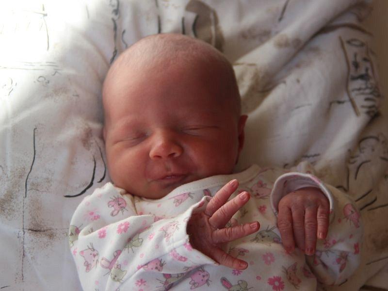 Karolína Bouchalová se narodila 16. září, vážila 2,81 kilogramů a měřila 48 centimetrů. Rodiče Tereza a Pavel z Bohučovic své prvorozené dceři přejí, aby byla v životě zdravá a šťastná.