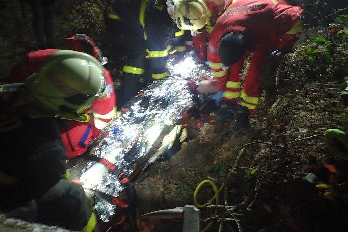Záchrana lesního dělníka v lese u Jakartovic, 3. prosince 2019.