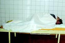 Spící opilec. Záchytka je pro mnohé z nich poslední stanicí na cestě ke střízlivosti.