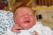 """Simona Braunová se narodila 16. května, vážila 3,46 centimetrů a měřila 50 centimetrů. """"Je to naše první miminko. Přejeme mu hlavně zdraví,"""" řekli rodiče Miroslava a Václav Braunovi z Opavy."""