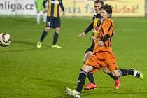 Tomáš Binar (v oranžovém)