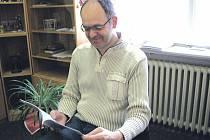 Psychiatr Jan Tatarko je jedním ze spoluautorů brožurky určené rodinám pacientů trpících psychózou.