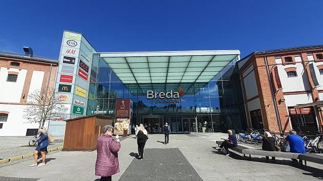 Otevření obchodů proběhlo hladce. Pondělí 10. května 2021.