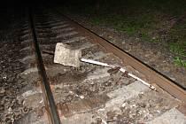 Tento předmět ležel na železniční trati mezi stanicemi Opava západ a Opava východ, a to v blízkosti benzinky v Hradecké ulici.