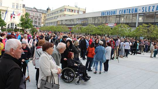 Boj za přežití Bredy? Nespokojení lidé zamířili na Horní náměstí.