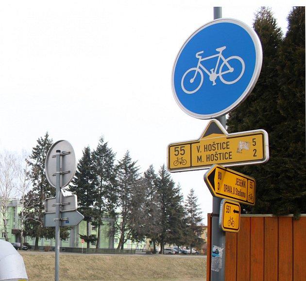 Významnou cyklostezkou na Opavsku je Slezská magistrála.