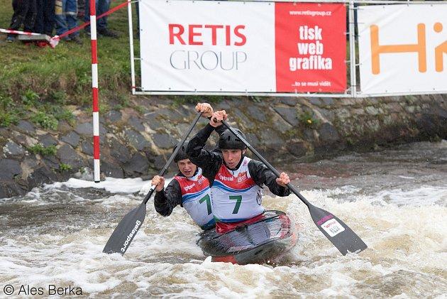 Albert Kašpar (v popředí) s Vojtěchem Mrůzkem se letos stali evropskými šampiony do třiadvaceti let.
