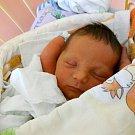 Michal Kornuta se narodil v opavské porodnici rodičům Michaele a Markovi z Prahy. Vážil 3,35 kilogramu a měřil 50 centimetrů. Michálek už doma dělá radost také bráchovi Viktorovi.