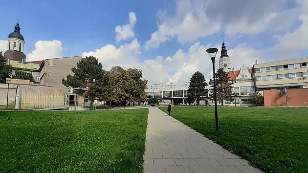 Budova bývalého obchodního domu Slezanka v centru slezské metropole. Prostor za Slezankou. Opava, 13. září, 2021.