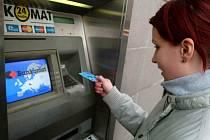 Výběr z bankomatu nemusí být vždy bez komplikací.