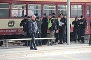 Po ranní poradě na tribuně se policejní složky ve městě secvičovaly na příjezd fanoušků ostravského Baníku.