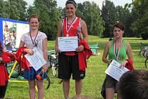 Denisa Záhorská (uprostřed) dokázala vyhrát Slavata Triatlon Tour v Krnově, když jí bylo patnáct let.